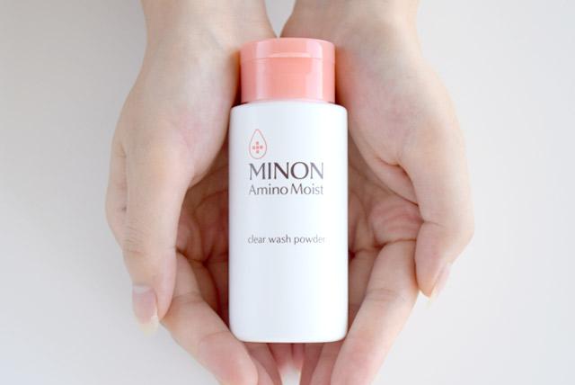「ミノン アミノモイスト」は、敏感肌でも使える酵素洗顔パウダー。