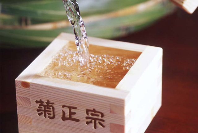 日本酒の美容効果って?