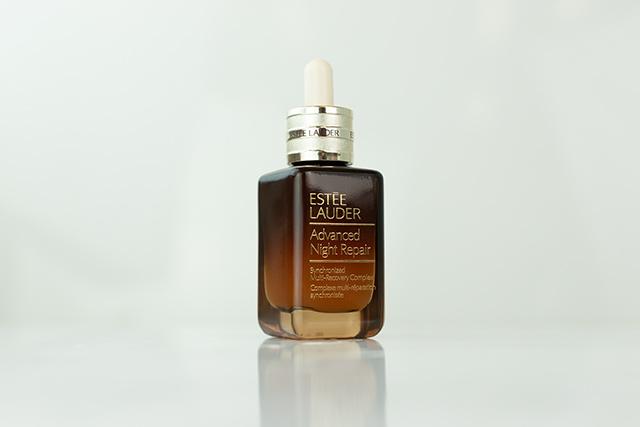 ナイト リペア SMR コンプレックス茶色の瓶の写真