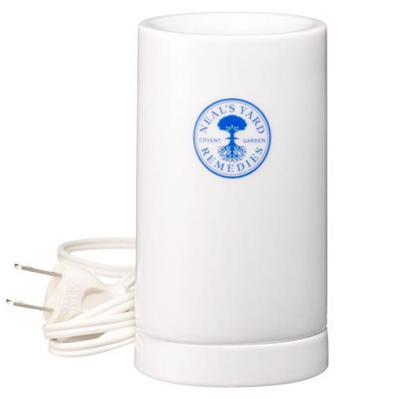 アロマライト(コードタイプ) / 直径約6.9cm/高さ12cm/コード長さ2m・本体、台座 白磁・付属品:電球(10W)、取説カード付き
